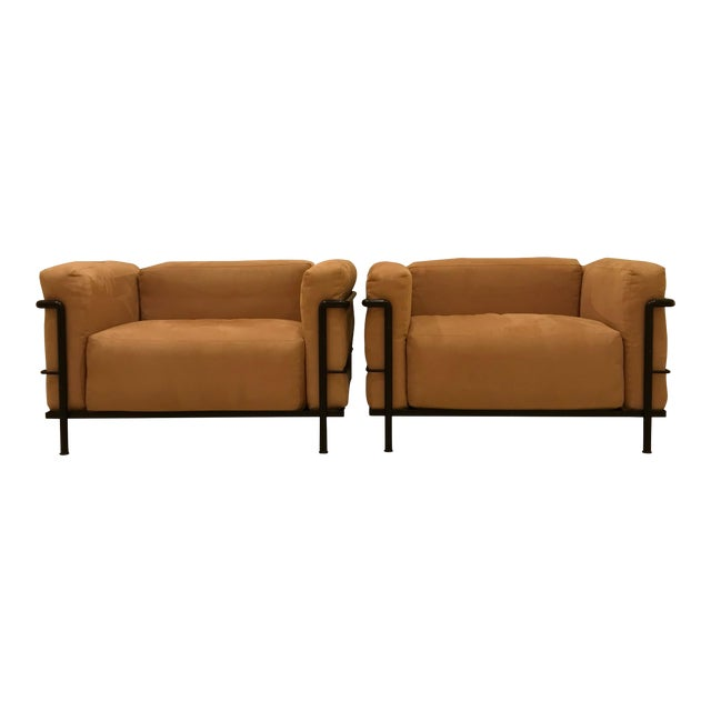 Early 1980s Vintage Cassina Le Corbusier Lc3 Grand Comfort Armchairs- a Pair For Sale