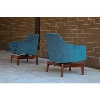 1960s Vintage Jens Risom Swivel Lounge Chairs- a Pair Preview