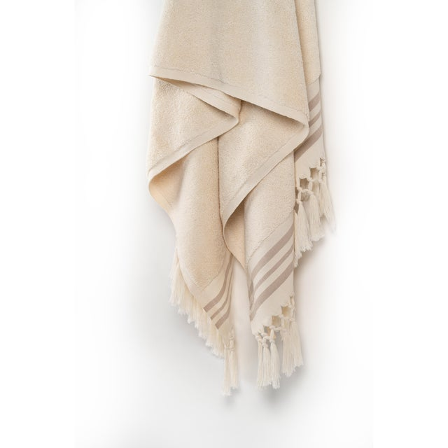 Plush & Bare Handmade Organic Cotton Bath Towel in Ecru with Stripes For Sale - Image 4 of 7