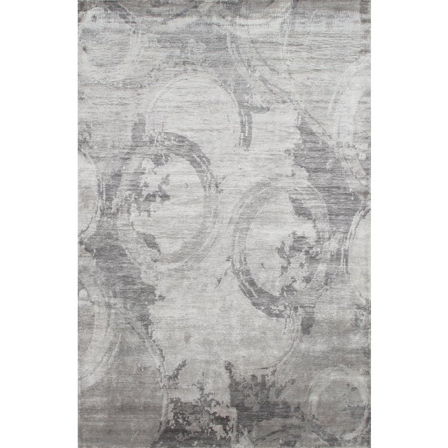 "Modern Gray Bamboo Silk Area Rug - 5'6"" X 8'6"" For Sale"