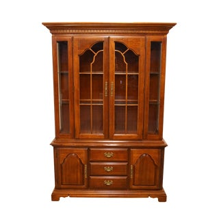 20th Century Traditional American Drew Solid Cherry Buffet With Lighted China Cabinet For Sale