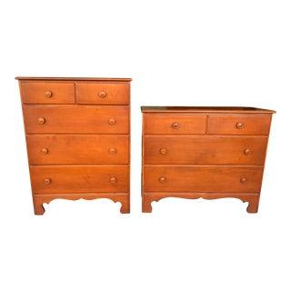 Vintage Classic American Maple Farmhouse Cottage Dressers - a Pair For Sale