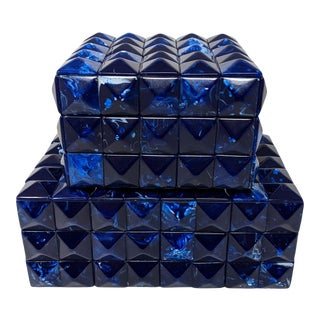 Regency Navy Blue and Cream Marbleized Resin Pyramid Embellished Box Set (2) For Sale