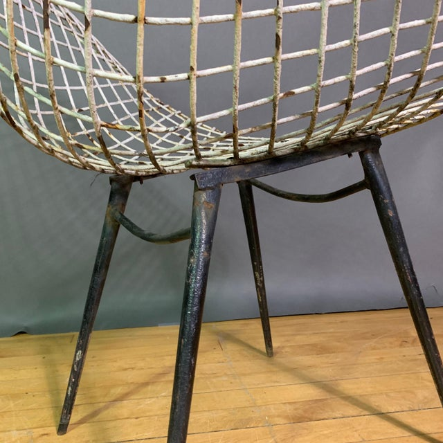 Set of 1970s Iron Diamond Outdoor Chairs, Manner of Bertoia For Sale - Image 9 of 11