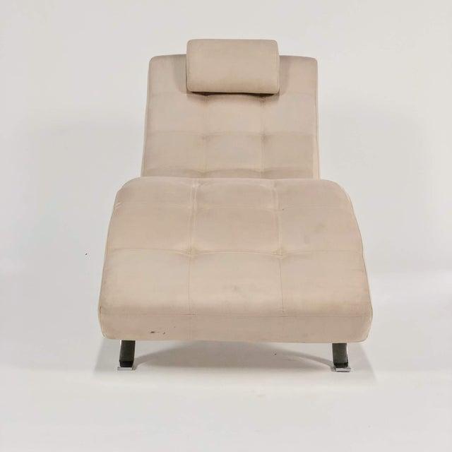 Mid-Century Modern Mid-Century Modern Beige Upholstered Chromed Frame Chaise Lounge For Sale - Image 3 of 7