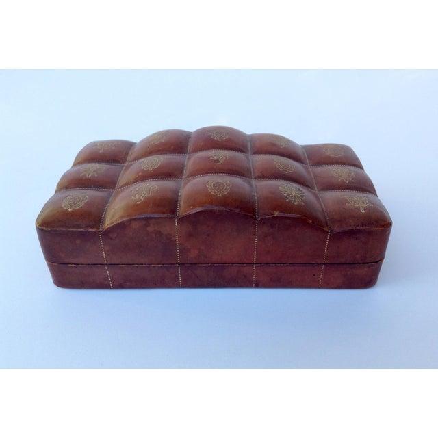 Belle Epoque Italian Leather Hand-Tooled Embossed Lidded Keepsake Box For Sale - Image 3 of 11