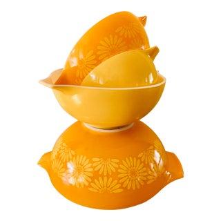 Sunshine Vintage Pyrex Nesting Bowls-Set of Four For Sale