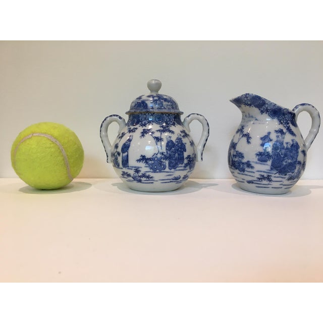 Ceramic Vintage Chinoiserie Blue and White Creamer and Lidded Sugar Bowl - Set of 2 For Sale - Image 7 of 8