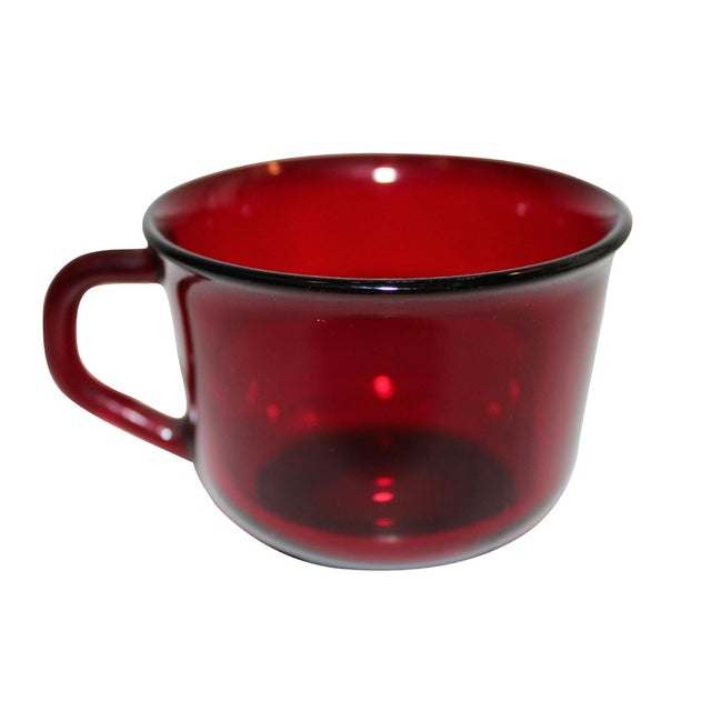 These mugs are the perfect compliment to your French Arcoroc collection with their deep ruby red color and shape! Matching...