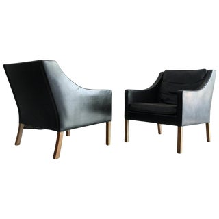 Matched Pair of Børge Mogensen Model #2207 Leather Lounge Chairs For Sale