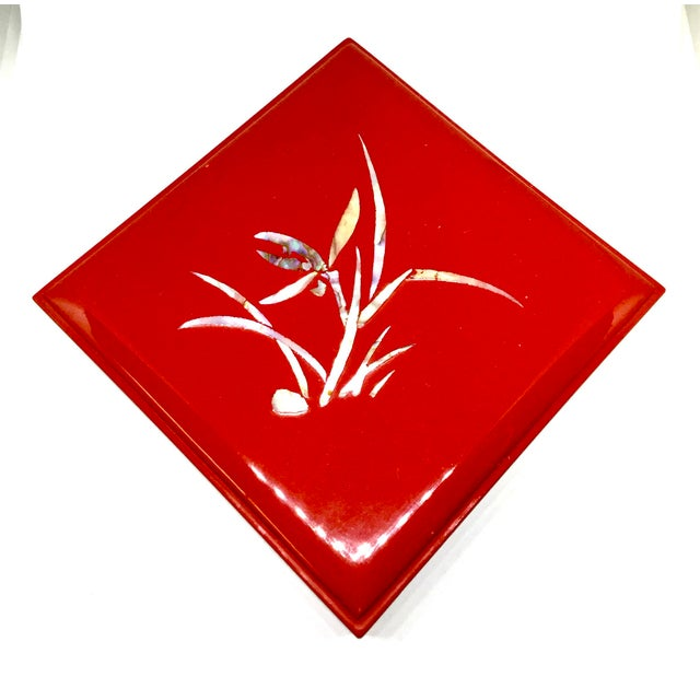 Vintage Japanese presentation box. Heavily lacquered and MOP inlaid, this box is very special. In gift worthy condition.