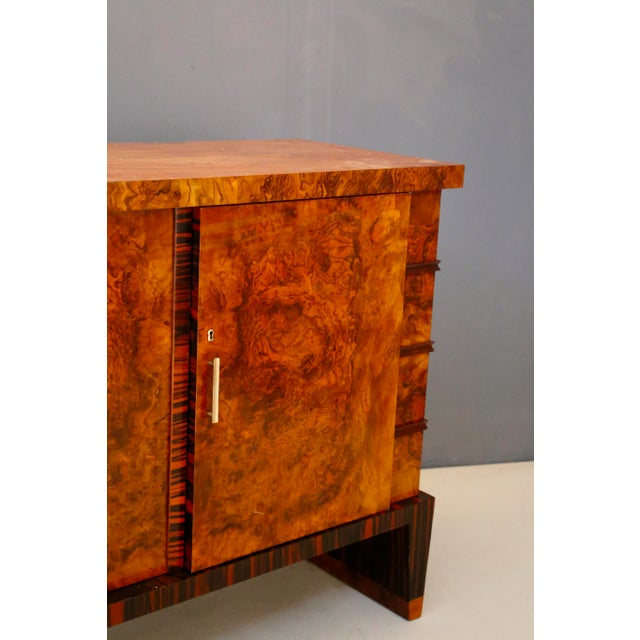 Mid-Century Modern Gio Ponti Sideboard Midcentury in Walnut Briar and Brass Attributed, 1950s For Sale - Image 3 of 11