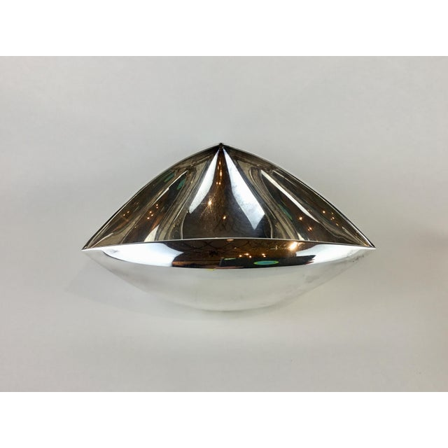 Mid-Century Modern Italian Triangular Pampaloni Silver Plate Bowl For Sale - Image 3 of 11