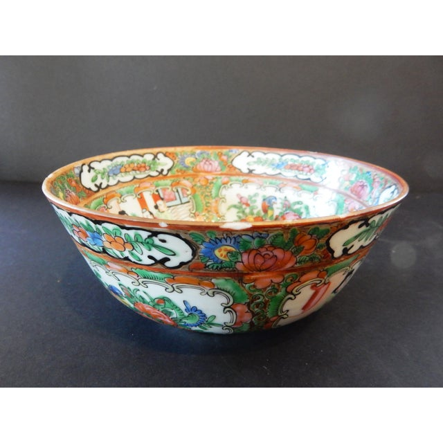 Blue Antique Chinese Export Porcelain Rose Medallion Bowl For Sale - Image 8 of 11