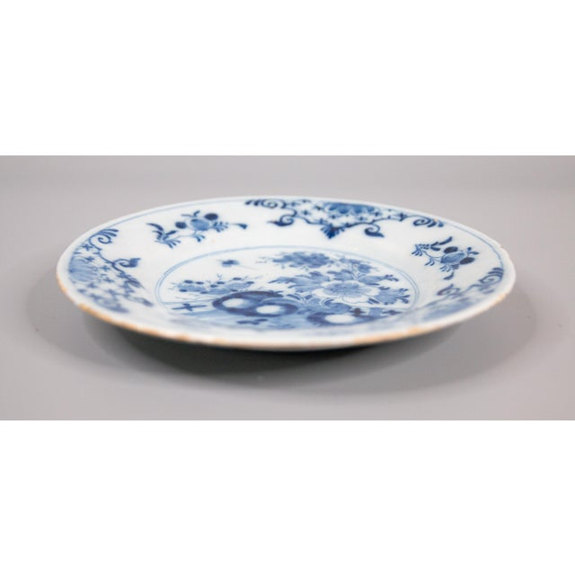Antique 18th-Century Delft Dutch Chinoiserie Floral Plate For Sale In Houston - Image 6 of 8