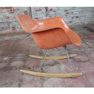 Herman Miller Vintage Fiberglass Rocking Chair Preview