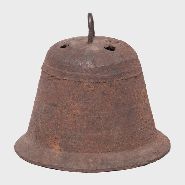 19th Century Provincial Chinese Iron Bell For Sale - Image 4 of 5