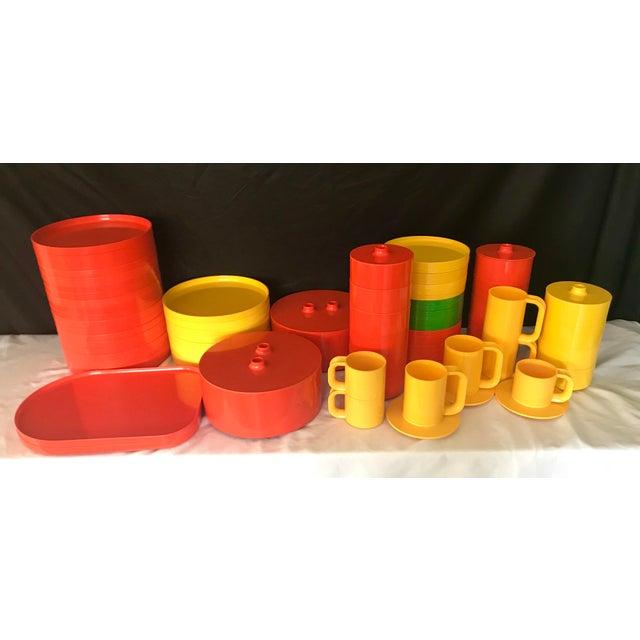 Italian Massimo Vignelli for Heller Melamine Multi-Colors Dinnerware Set - 83 Pieces For Sale - Image 13 of 13