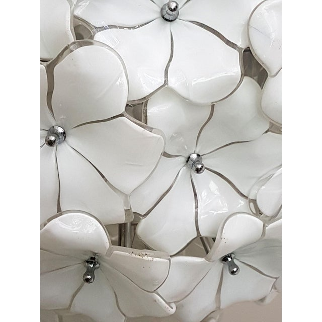 1970s Large Murano White Flowers Chandelier, by Mazzega, Mid Century Modern, 1970s For Sale - Image 5 of 7