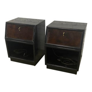 1970s Vintage Henredon Scene Three Black Lacquered Nightstands - a Pair For Sale