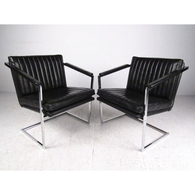 Mid-Century Modern Pair of Vintage Modern Cantilevered Side Chairs For Sale - Image 3 of 9