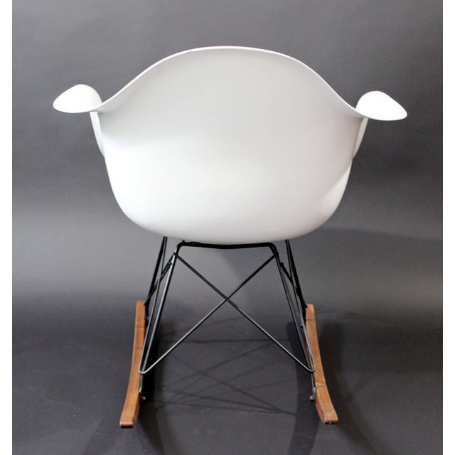 Mid-Century Modern Vintage Eames Herman Miller Shell Rocker Rocking Chair, 1970s For Sale In Detroit - Image 6 of 11