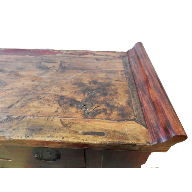 1900 - 1909 Cantonese Altar Table Bat Fu Chest. For Sale - Image 5 of 9