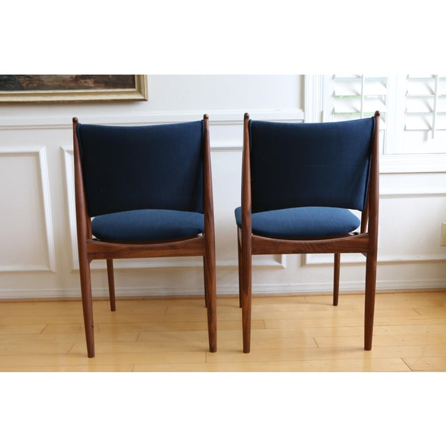Mid Century Modern Teak Dining Chairs in Navy Blue - Set of 8 For Sale - Image 10 of 11