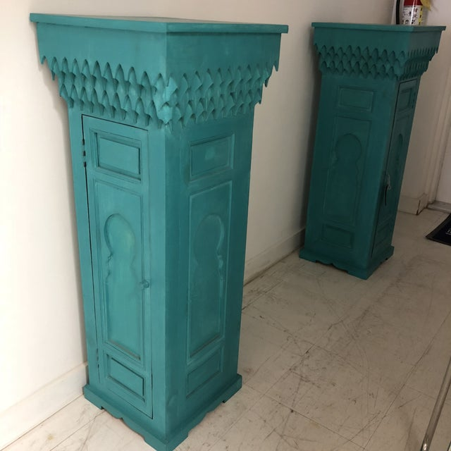 Unique Moroccan stands/ pedestals. Bright green color, and Morrish architectural features make for a great accent piece in...