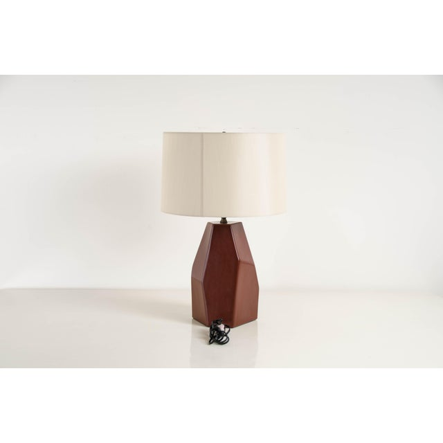 Contemporary Hand Made Faceted Shan Lamp in Red Bean Lacquer by Robert Kuo, Limited Edition For Sale - Image 3 of 6