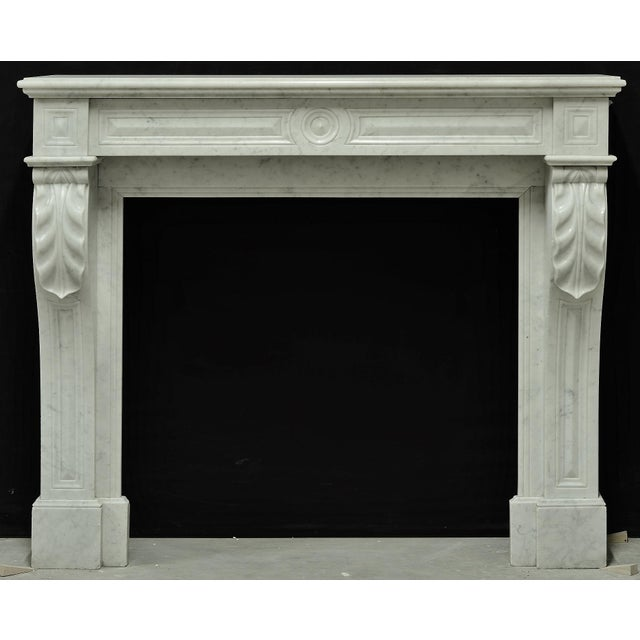 Mid 19th Century Small White Marble Louis XVI Fireplace, 19th Century For Sale - Image 5 of 9