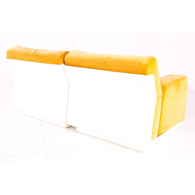 1960s Jack Cartwright for Founders Mid Century Sectional Fiberglass Sofa For Sale - Image 5 of 13