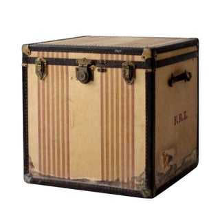 Vintage OshKosh Trunk Company Chief Steamer Trunk For Sale