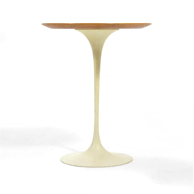 Mid-Century Modern Eero Saarinen Tulip Side Table With Oak Top by Knoll For Sale - Image 3 of 10