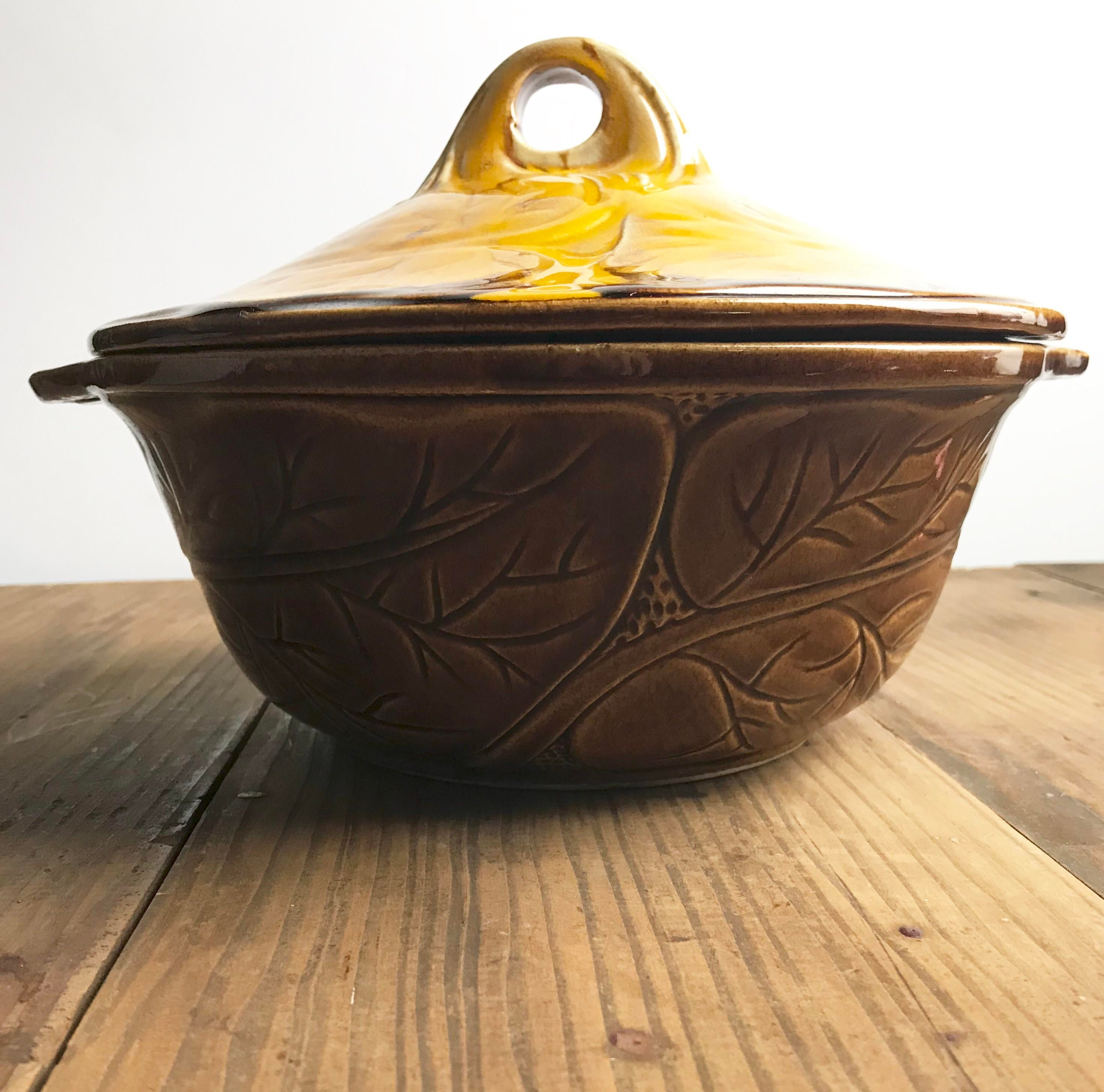 Covered casserole California Original Pottery serving bowl Tureen 899