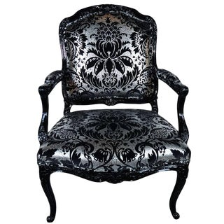Hollywood Regency Bergere Chair in Embossed Velvet & Black Lacquer For Sale