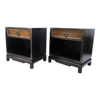 Drexel Mid-Century Nightstands - a Pair    Chinoiserie Two-Tone Black & Wood Single Drawer Bedside Tables For Sale