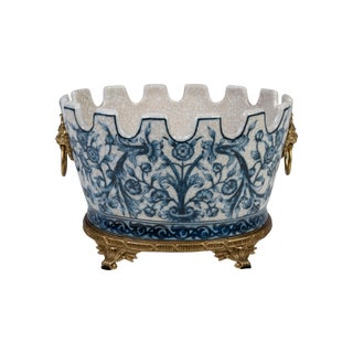 Chinoiserie Oval Blue and White Floral Crackle Scallop Rim Porcelain Pot Ormolu For Sale