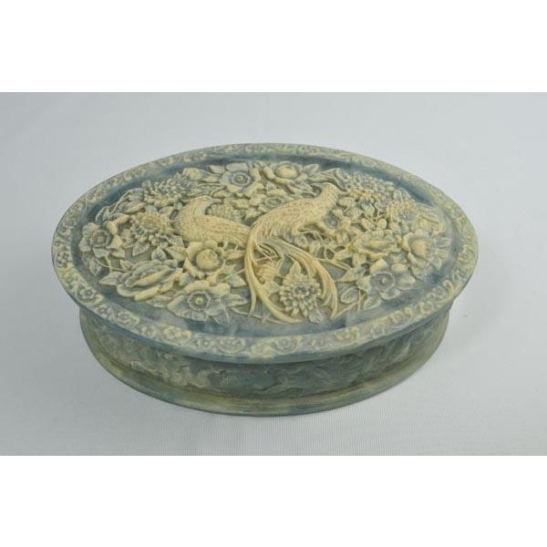 Stone Birds of Paradise Incolay Stone Blue & White Cameo Oval Box For Sale - Image 7 of 7