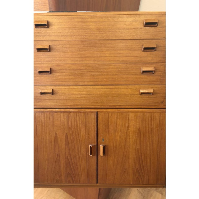 1960s Mid-Century Modern Soberg Mobler 2 Piece Dresser / Bureau For Sale In Seattle - Image 6 of 9