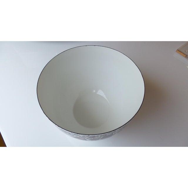 Kaj Franck for Arabia Finland Enamel Metal Bowl For Sale - Image 5 of 11