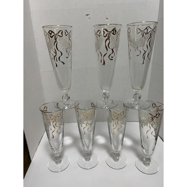 Mid 20th Century Vintage Bow Wedding Champagne Flute Glasses - Set of 7 For Sale - Image 5 of 11