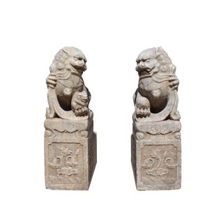 Chinese Pair Distressed Brown White Stone Fengshui Foo Dog Statues For Sale