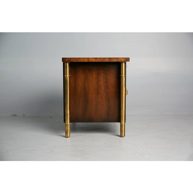 1960s Mastercraft Burled Wood & Brass Side or End Table by William Doezema For Sale In Los Angeles - Image 6 of 11