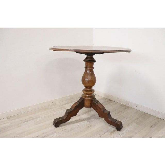Italian 19th Century Italian Louis Philippe Walnut Round Centre Table For Sale - Image 3 of 11