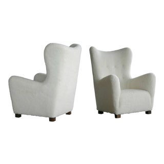 Pair of Midcentury Fritz Hansen Model 1672 High Back Lounge Chairs in Lambswool For Sale