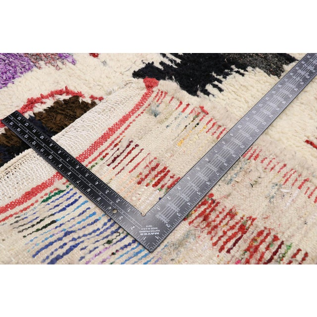 Late 20th Century Vintage Berber Boucherouite Moroccan Azilal Rug - 03'09 X 07'03 For Sale - Image 5 of 10
