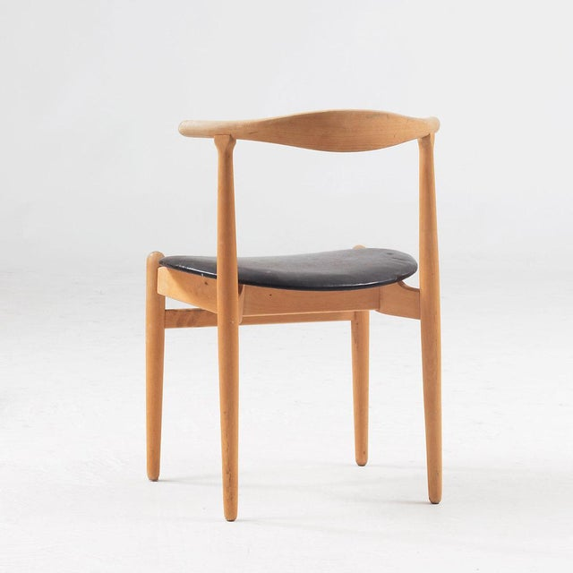 """Mid-Century Modern Hans J Wegner Dining Chair Model """"1934"""" for Fritz Hansen Set of Four For Sale - Image 3 of 6"""