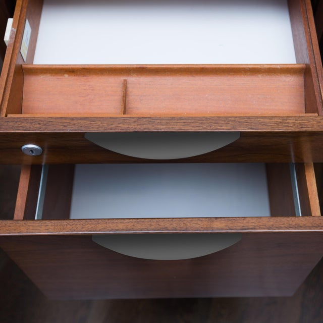 Jens Risom Single Pedestal Desk - Image 8 of 8