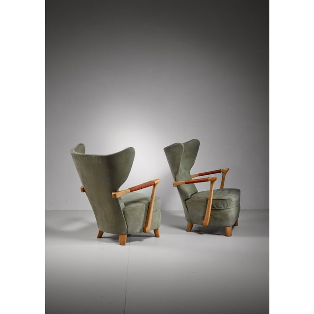 Mid-Century Modern Runar Engblom pair of lounge chairs, Finland, 1940s For Sale - Image 3 of 7